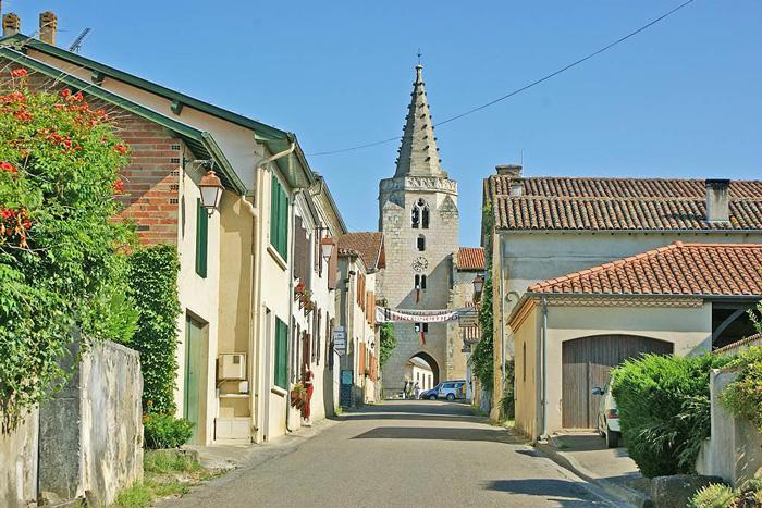 Brassempouy-village-médiéval