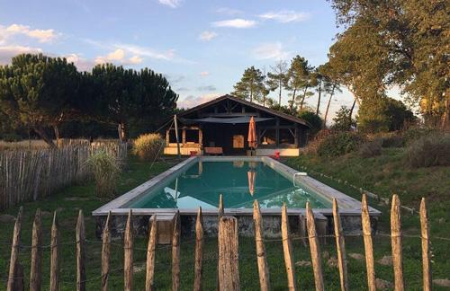 La Canopée-Arjuzanx-gîtes avec piscine